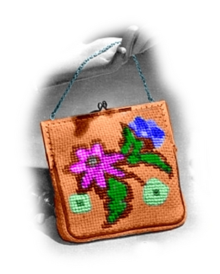 Product picture Evening Bag with Flowers Knitting Pattern (#112)